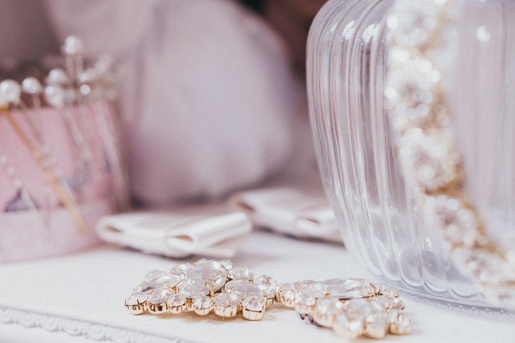 Dirndl Liebe Schmuck zum Hochzeitsdirndl